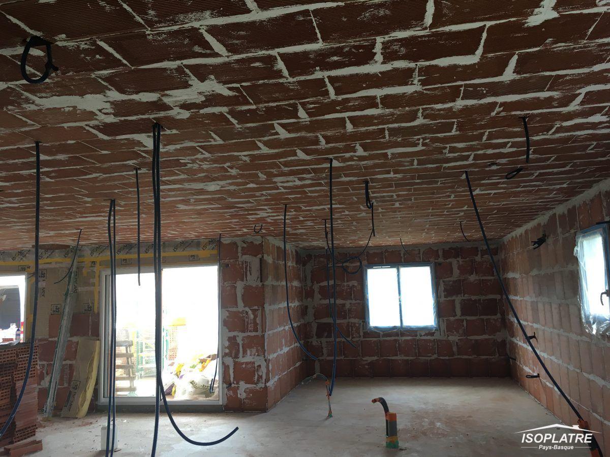 plafonds suspendus faux plafonds ou plafonnettes en brique